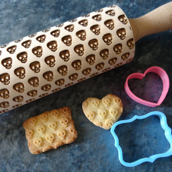 Skull / death's-head pattern rolling pins and cookie cutter