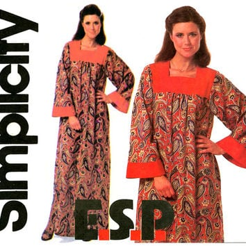 1970s Caftan Pattern Bust 36 38 40 UNCUT Simplicity 8752 Easy to Sew ESP Womens Vintage Sewing Patterns Classic 70s Hippie Lounging Robe