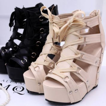 Stylish Lace Hot Fashionable Platform Wedges