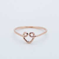 Heart wire knuckle ring