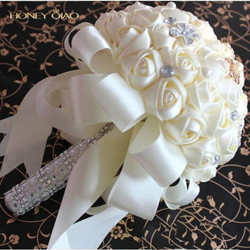 Honey Qiao Wedding Bouquets Bridal Buque De Noiva 2017 Romantic Pink and White Holding Flowers Sweet Rose with Pearls Lace Edge