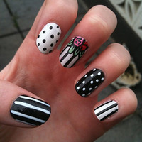 Fake Nail Art Set - Polkadots, stripes, floral, monochrome, acrylic, artificial, press on, false nails