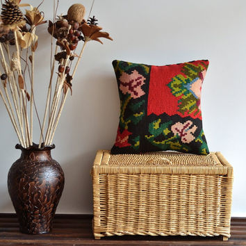 Red Black Green Floral Kilim Pillow Cover - 16x16 inch - Bohemian Style Home Decor - Ethnic Pillow Cushion Cover