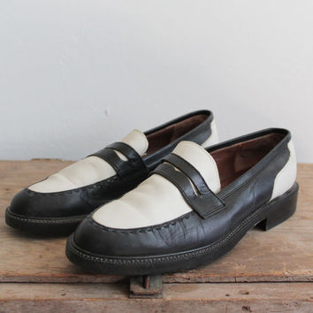 Vintage 90s Black + White Leather Penny Loafers | women's 8
