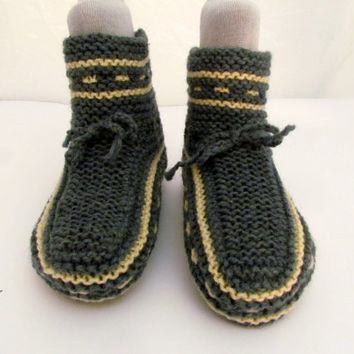 Home Slippers.Hand knit house slipper. .Womens knitting shoe. Knitted Socks, 100% organic wool
