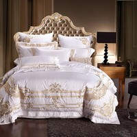 100% Egypt Cotton White Embroidery Palace Royal Luxury Bedding Set 4/6 Pcs King Queen Size Hotel Bed set Duvet Cover Bed Sheet