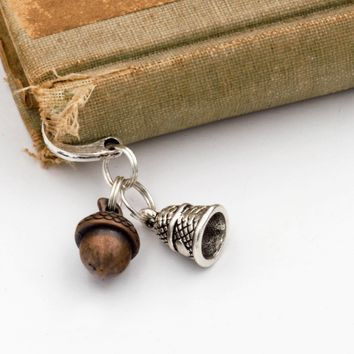 Peter Pan Kiss Bookmark with Acorn & Thimble Charms (Metal, Hook, Silver & Copper Tone)