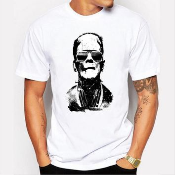 Men 's fashion new shirt unique character sketch digital printing casual short - sleeved white T - shirt