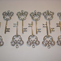 Disney Mickey Mouse Key Pendant 10 Pendants FE Cruise Gifts Silver Plated Hidden Mickey Design