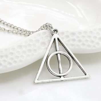 RE Fashion Harry Deathly Hallows Necklaces Small Circles Triangle Potter Pendants Movie Gifts Necklace W930