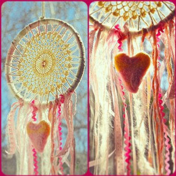 Dream Catcher in pinks and creams