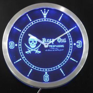 Pirates Keep Out No Trespassing Skull Head Bar Neon Sign LED Wall Clock