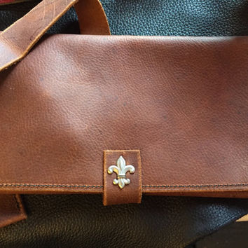 Leather pipe pouch with lighter and tool pocket Brown
