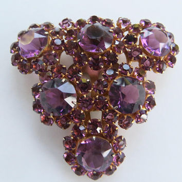 Vintage Rhinestone Fur Clip, Amethyst Glass Dress Clip, Purple Rhinestone Fur Clip, 1940s Jewelry