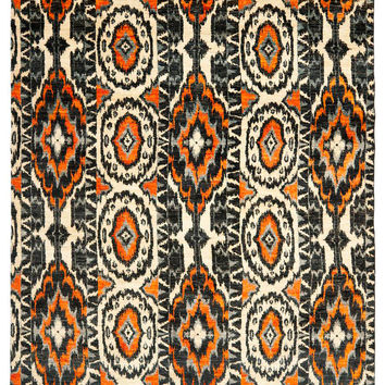 Safavieh Couture Ivory and Black Ikat Hand-Knotted Rug - Ivory / Black