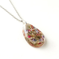 Flowers Necklace, Real Heather Flowers Resin Pendant, Botanical Jewelry, Resin Jewelry, Heather Jewelry, Floral Jewelry