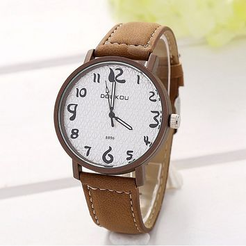 Unisex Vintage Retro Leather Quartz Strap Wrist Watch Brown