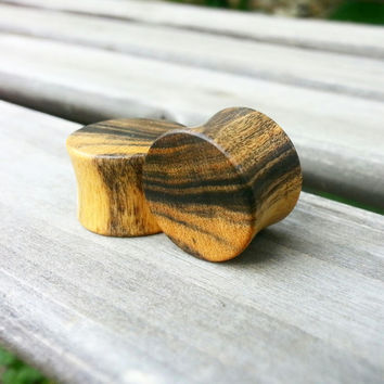 Black & White Ebony Plug Pair | 9/16""