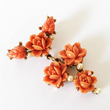 Vintage Carved Coral Celluloid Roses and Pearl Brooch, Mid Century Costume Jewelry, Orange Floral Pin with Faux Pearls, Dangle Brooch