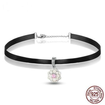 925 Sterling Silver Lovely White Flower Pendant Choker Necklace