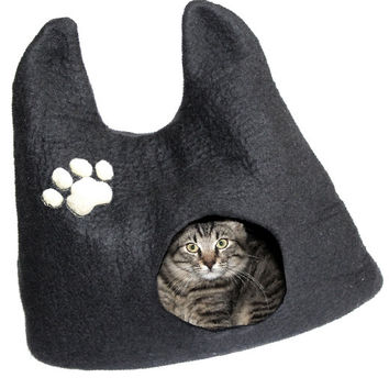 XL Cat Bed - Wool Felt Cat Bed with Paw - Felted Cat House - Black Cat House - Cat Head Shape Cat House - Interior Design idea