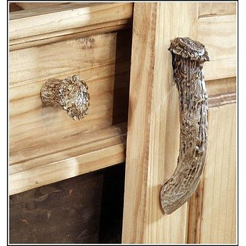 Whitetail Antler Cabinet Knob – 10 Pieces