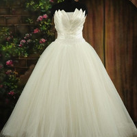 Ball Gown Strapless Floor-length Tulle and Taffeta Wedding Dress