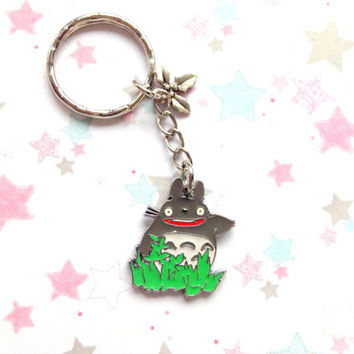 Cute Totoro Metal Charm Anime Keychain, Studio Ghibli, Metal Leaf Charm, My Neighbor Totoro keychain, Anime bag charm, Japan, Silver Keyring