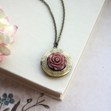 Dark Red Brown Rose Flower Locket Necklace. Round Antiqued Brass Locket Jewelry. Daughter. Sister, Fall Rustic WeddingBridesmaids Gift, Mom