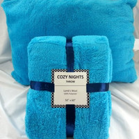 Lambswool Throw and Pillow Set