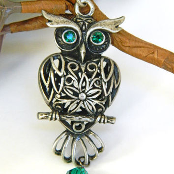 Owl Necklace, Emerald Green, Swarovski Crystals, Short Necklace, Handcrafted Necklace, Antique Silver, Owl Pendant, Cute Owl Necklace