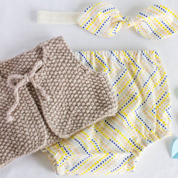 Baby girl coming home outfit, Diaper cover + Bow headband + Knit vest clothing set. Baby girl take home outfit
