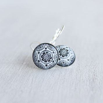 Black and White ornamented Mosaic earrings // silver cabochon earrings vintage-stlye - 14 mm Cabochons - Boho Style gift for women, girls