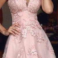 Halter A-Line Appliques Pink Tulle Short Homecoming Dress