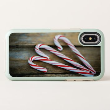 Chrstmas Candy Canes on Vintage Wood OtterBox Symmetry iPhone X Case