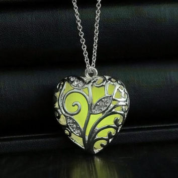 June 8 Fairy Store   Magical Aqua Blue Tree Heart Glow In The Dark Pendant Necklace Gift