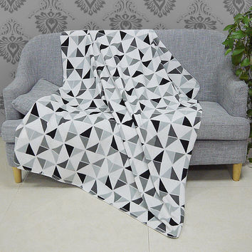 New Polar Fleece Blanket Throw White/ Black/ Grey Geometric Patterns Summer Bed/ Sofa Throw Bedspread