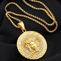 Versace New fashion diamond human head round pendant couple necklace Golden