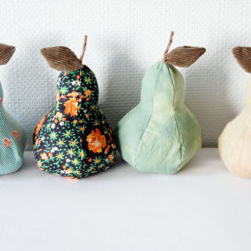 Pears. Fabric pear. Set of 3 fabric pears. Thanksgiving decor. Waldorf toy. Halloween decor. Thanksgiving. Table centerpiece. Mantel decor.