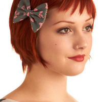 Girl Meets Bow Hair Clip | Mod Retro Vintage Hair Accessories | ModCloth.com