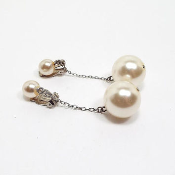 Faux Pearl Vintage Clip on Earrings Dangle Drop Golden Yellow Silver Tone Womens Formal Mid Century Prom Jewelry