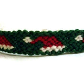Santa Claus Hat Pattern Embroidery Macrame Friendship Bracelet with Lobster Clasp