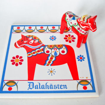 Vintage Dala Horse Tile Trivet Housewares Kitchen Decorative Red Orange Wooden Swedish Folk Art Sweden Wood Home Decor Christmas Mid-century