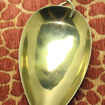 Buenilum Brass Teardrop Shape Footed Tray Modern Design Wire Handle