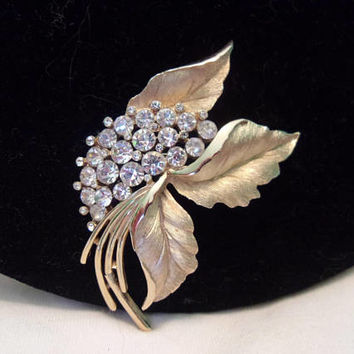 Crown TRIFARI Brooch Diamante Glass Rhinestone Leaf Vintage Gold Plate Pin