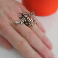 Vintage Ring - Bee Ring  - Vintage Brass Jewelry - Adjustable Ring - Bee Jewelry - Statement Ring - handmade jewelry