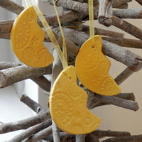 Yellow Ceramic Ornaments Christmas Decoration Moon Lace Ceramic Home Decoration Gift Set of 3