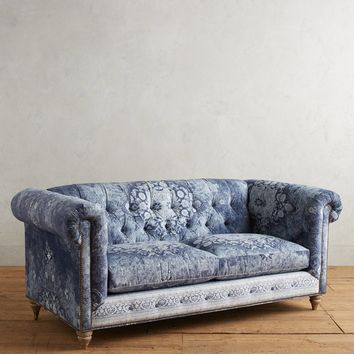 Rug-Printed Lyre Chesterfield Petite Sofa