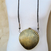Vintage Clam Shell Brass Purse, Hard Shelled Bag