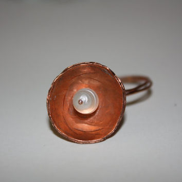 Hammered Copper with Nesting Pearl Ring by SoJewelrySoYou on Etsy #pearl #jewelry #ring #copper #natural #style #loveit #musthaveit